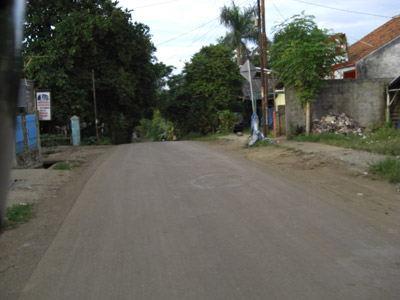 Suasana jalan dari Oma Lake View Cilodong menuju Grand Depok City